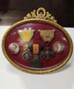 Image de WWI : Cadre avec Médailles Militaire, Bataille d'Yser et La croix de guerre